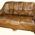 Как ухаживать за кожаным диваном?